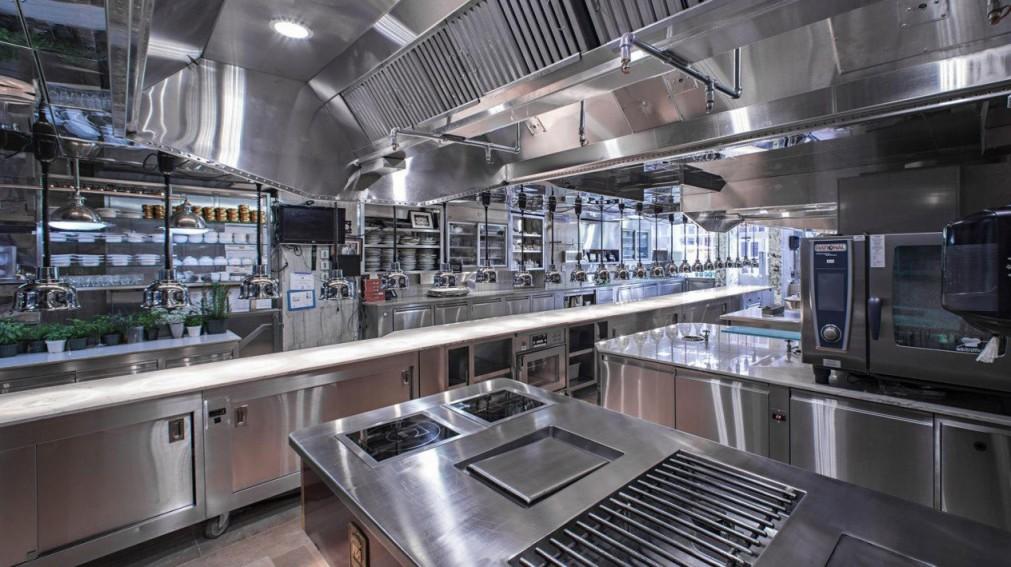 Оборудование кухни кафе и ресторана: особенности выбора